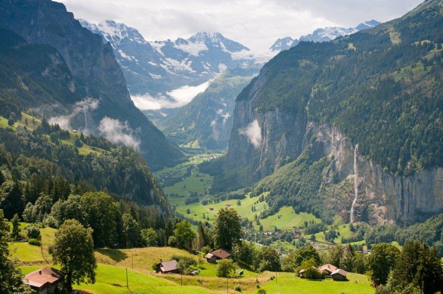 šveicarijos namų darbo sutartis