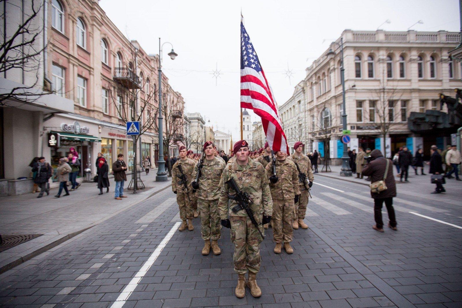 Литва планирует усилить оборонные связи сСША
