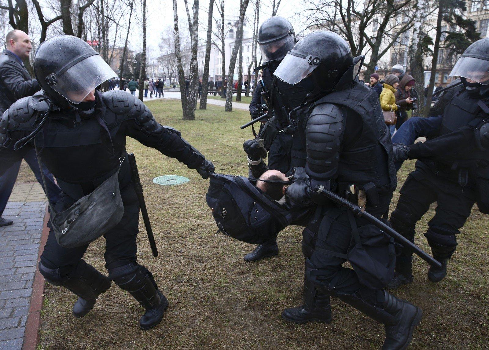 Мандат спецдокладчика поправам человека в Белоруссии продлен нагод