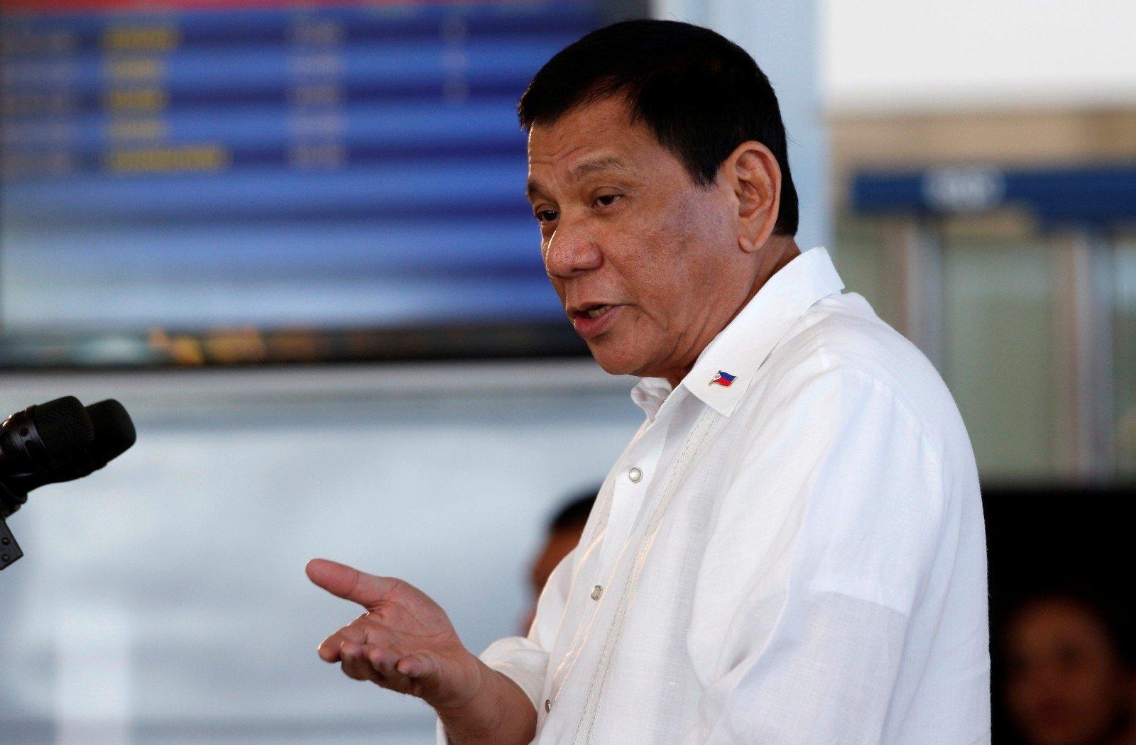 Матерящийся президент Филиппин небудет покупать оружие вСША