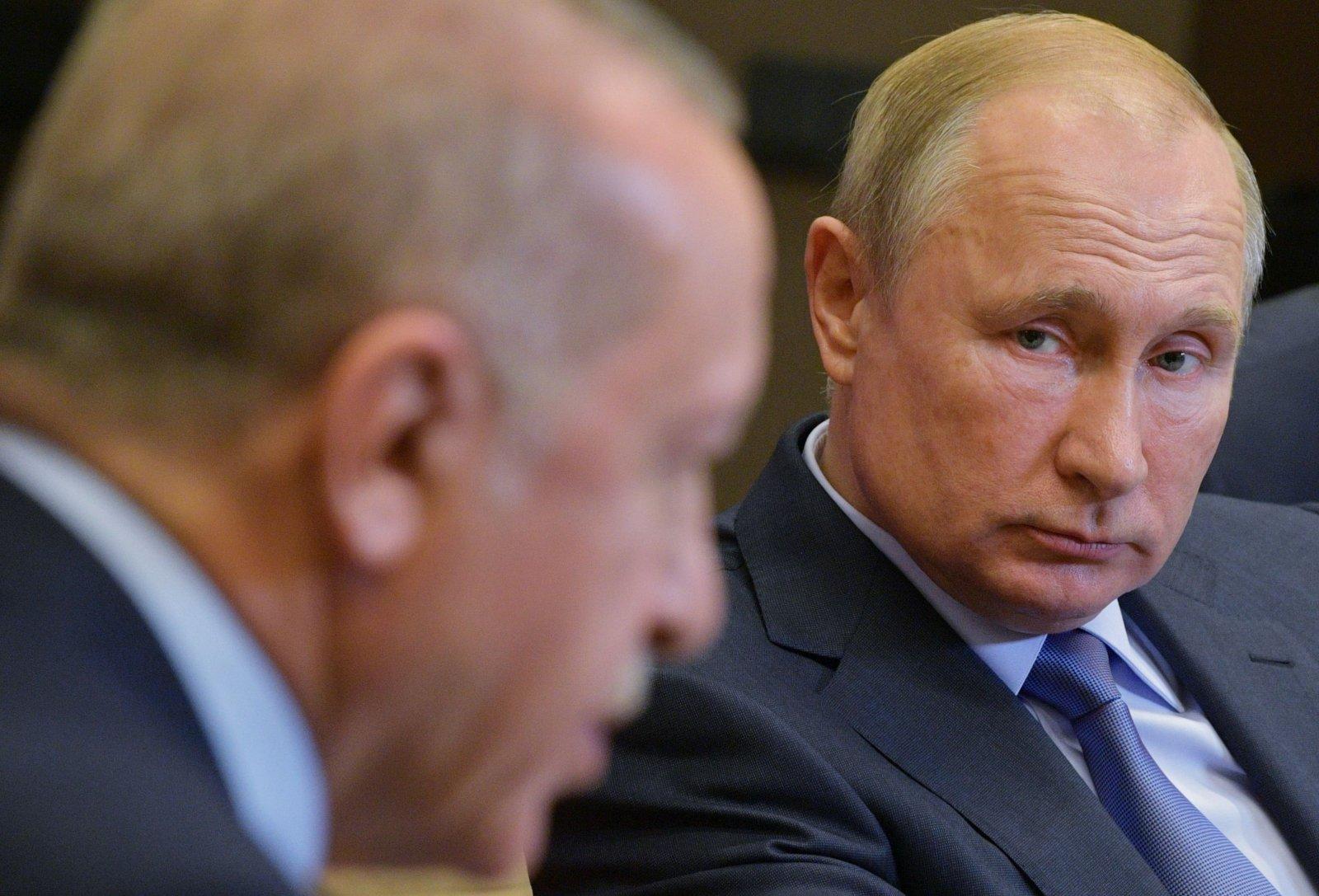 """Меркель заявила, что проект """"Северный поток - 2"""" необходимо реализовать несмотря на санкции США"""