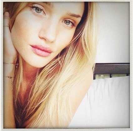 Rosie Huntington-Whiteley be makiažo