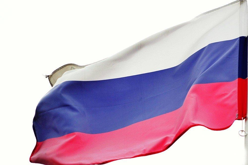Латвия: Молодых неграждан страны закончили впускать в РФ без виз