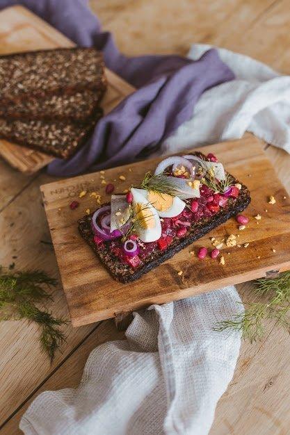 Skandinaviškas sumuštinis su silke