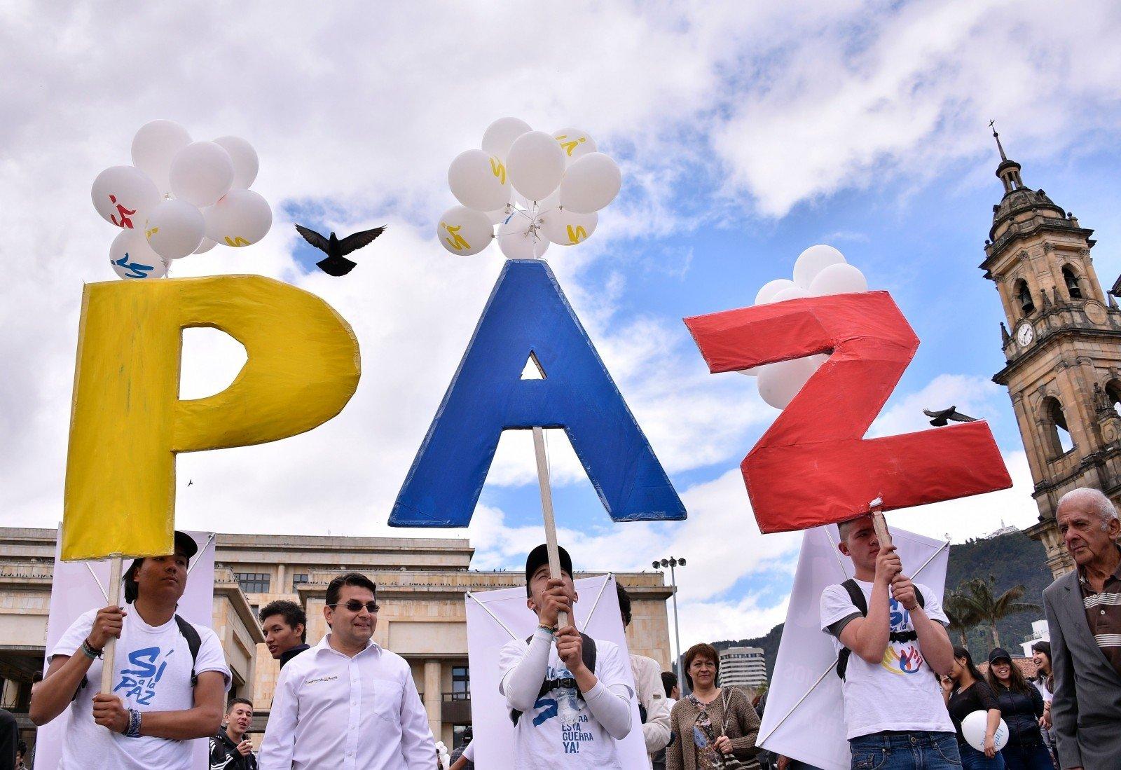Сенат Колумбии проголосовал зановый договор омире сFARC-EP
