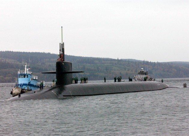 Атомная подлодка ВМС США столкнулась скораблем снабжения