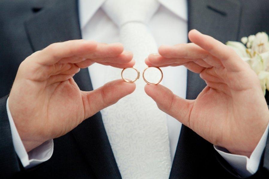 1-ый однополый брак в РФ просуществовал всего один день