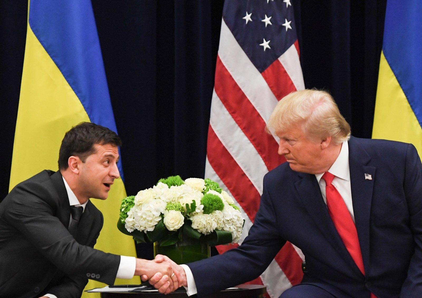 Водоворот Украгейта. Министр энергетики США, подает в отставку